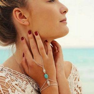 Jewelry - Finger harness bracelet